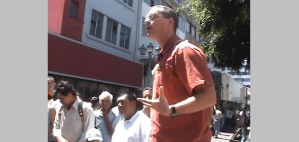 Greg predica al aire libre