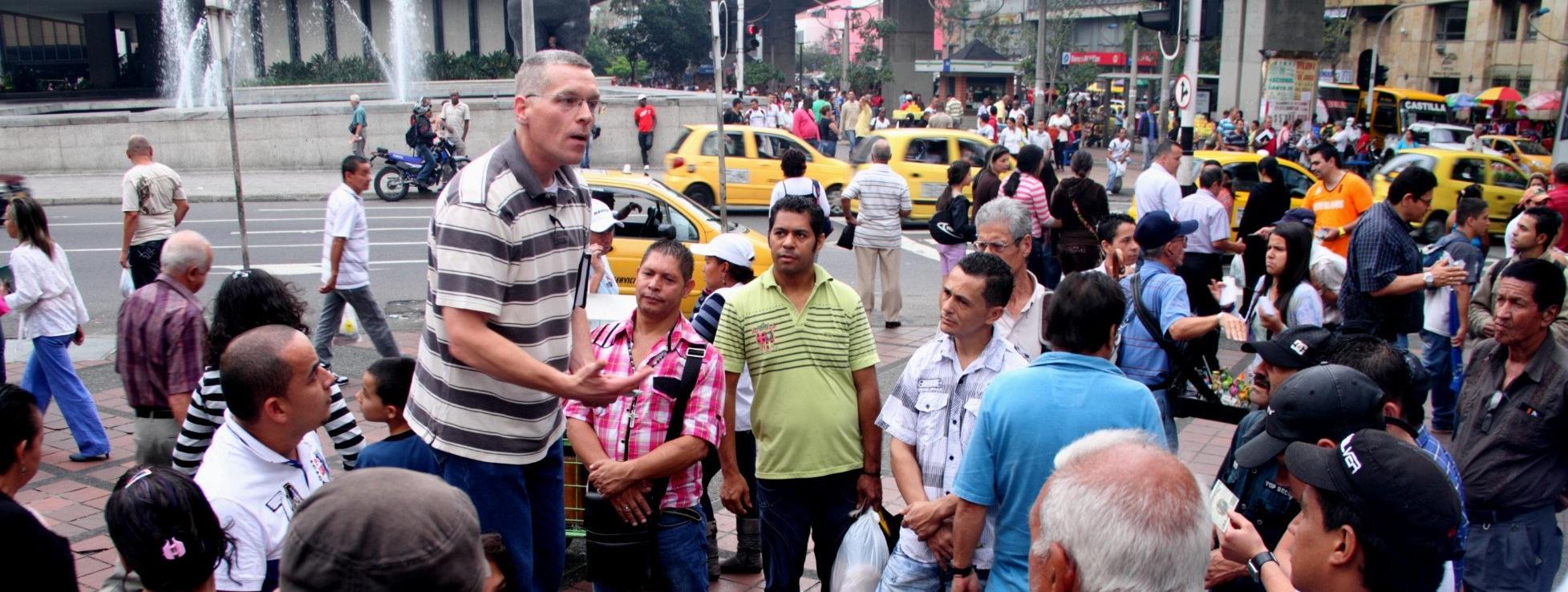 Evangelismo al aire libre en Colombia